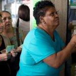 委內瑞拉經濟崩潰》通膨高達720% 皮夾太小裝錢得用背包