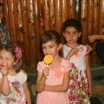 小孩子喜歡吃糖就給他吃?小兒科醫師這樣告誡家長吃太多糖的危險性…