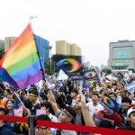 婚姻平權》徐佳青致詞「民進黨沒有讓步」 台下高喊「修民法」