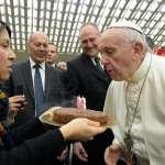天主教教宗80大壽》方濟各向祝賀信徒自嘲:提前過生日會「衰」!