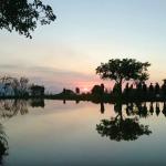 清澈水面映夕陽,超美啊!三芝景點「水中央」將啟動交管,大眾運輸攻略全公開