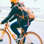 腳踏車幾乎人人會騎,但你知道騎車時「這些行為」違法嗎?單車騎士必看!