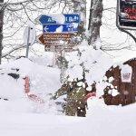 大地震引發大雪崩 義大利山區旅館數十人恐遭活埋