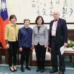 吳典蓉專欄:如果美國不民主,台灣還要當模範生嗎?