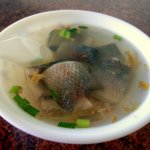 最會料理虱目魚的就屬台南人!不只煮湯,台日混合「魚皮卷蘸醬油」更叫人難忘