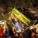 安全回家是僥倖?專家:台灣人該從遊覽車翻覆事故記取的3個教訓!