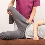 為何痠痛,中醫說「頭痛醫腳,腳痛醫頭」?復健科醫師:懂得肌筋膜就能「治本」