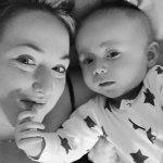 半歲大兒子拒吸母乳 英國媽媽發現乳癌