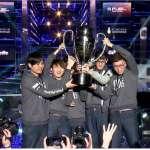 世界冠軍來啦!閃電狼力克歐洲勁旅奪冠 蘇嘉全、蔡其昌祝賀