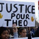 法國警察以警棍性侵壯碩黑人 竟辯稱:是被害者褲子自己掉下來!