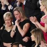 川普邀美軍遺孀赴國會演說 殉職軍人父親質疑葉門行動正當性