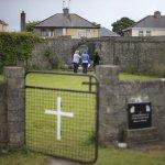 愛爾蘭未婚媽媽之家挖出800具兒童骸骨 舉國震驚