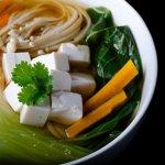 別再點青菜豆腐湯了,一起吃會得腎結石?食藥署闢謠專區:草酸鈣「嗯嗯」就排掉了