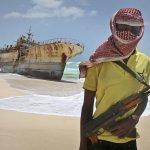 怒海劫!索馬利亞海盜再度出動 中東大型油輪遭劫