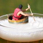 為何很多人都討厭啤酒泡沫?日本美食家點破迷思,別再說店家偷工減料啦