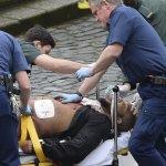 車撞民眾、刀刺警察 英國國會驚傳恐怖攻擊 死傷超過40人