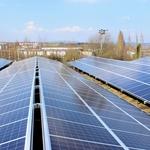 如果在自家屋頂裝上太陽能發電板,有機會用「碳權」賺錢嗎?環保專家解答