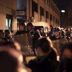 巴黎華人圍攻警局》旅法華僑在家遭警察射殺 連日引發示威抗議