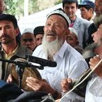 中國新疆全面施行「去極端化」 穆斯林戴面紗、蓄長鬍都不准