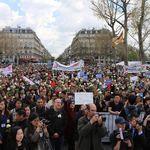 旅法華人遭槍殺》巴黎數千華人上街悼念 警民衝突再起