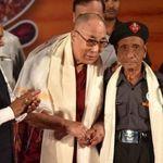 一別60年!「看著你,我意識到自己一定也老了」達賴喇嘛與昔日救命恩人歡喜重逢