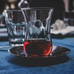 感冒糖漿又甜又好喝,可以當飲料喝嗎?醫師提出警告:過量恐引起腎衰竭