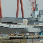 中國第一艘國產航空母艦即將下水 大連造船廠船塢開始注水