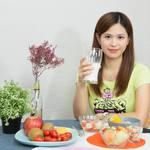 誰說減重一定要餓肚子!正妹營養師親授餐盤四分法吃法,吃得均衡健康又不復胖!