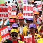 五一勞工「反剝削」大遊行,總統府:高度重視勞工權益保障