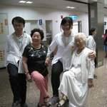 嘉義市居家服務中心大齡長輩交流團訓練好體力 整裝待發5月13日出國去