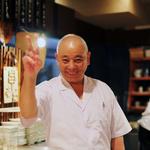 網購一家比一家便宜,為何還有人去店裡買?日本老闆使出創意絕招,業績意外翻倍!