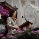 「為台灣、不為民調做事」蔡英文:選擇在第一年推動最困難的改革