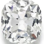 跳蚤市場買到26克拉超大鑽石 英國婦人戴30年「以為是假的」