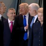川普出席北約峰會 一個動作讓美國人想向全世界道歉