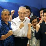 吳敦義接掌國民黨》加入立院黨團「一同作戰」籌劃重大議題攻防