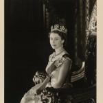 伊莉莎白二世加冕64周年 英國王室公布珍貴照片,附贈「50個加冕小知識」