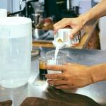 鮮奶茶真的是加「鮮乳」嗎?他破解台灣冰磚乳、還原乳真相,喝下肚的可不能隨便啊