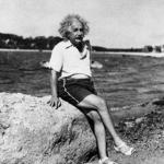 為何愛因斯坦長子跟他鬧翻,么子患精神病泣訴「我恨他」?世紀天才的坎坷為父路