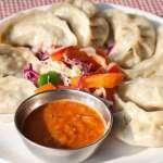 印度議員大動作宣傳「禁吃蒸餃」 稱味精有致命風險