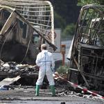 德國南部載滿老人的巴士車禍起火 18死30傷,其中至少2人命危