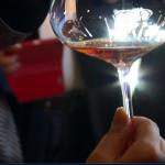舉杯慶祝該來點什麼酒?拿破崙、邱吉爾的最愛,「生命之水」專屬於英雄的琥珀光澤