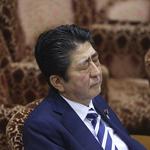 東京籠罩醜聞陰影》日媒民調:安倍內閣支持率首度跌破3成