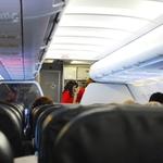當空姐只要穿美美搭飛機就好?泡泡麵燙傷、行李砸傷頭,醫療中心揭夢幻職業危機