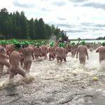 一脫再脫!3度挑戰光屁股游泳活動 芬蘭可望刷新世界紀錄