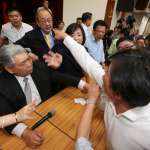 「你在吼什麼!」 黃國昌質詢前瞻遭藍委阻擋 怒嗆柯建銘要求協商