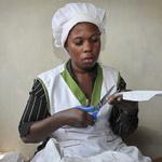 女孩「大姨媽」來不敢上學怎麼辦?非洲學校想出好點子:免費提供衛生棉!