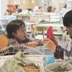 孩子愛搶玩具又推人,爸媽如何教?第一步不是破口大罵,是對被欺負的小孩這麼做