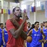 新新聞》上班族玩不起NBA球星「一切為奪冠」熱血遊戲