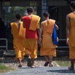 「花和尚」醜聞頻傳、寺廟賣彩券 泰國佛教怎麼了?