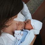 剛生寶寶,擔心沒有母乳可以餵?婦產科醫師教你這樣產生豐富營養的乳汁